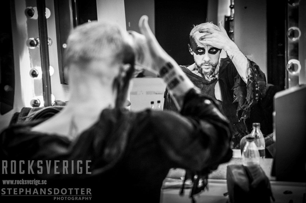 Behemoth, make up, backstage, Nergal. Foto Therés Stephansdotter Björk