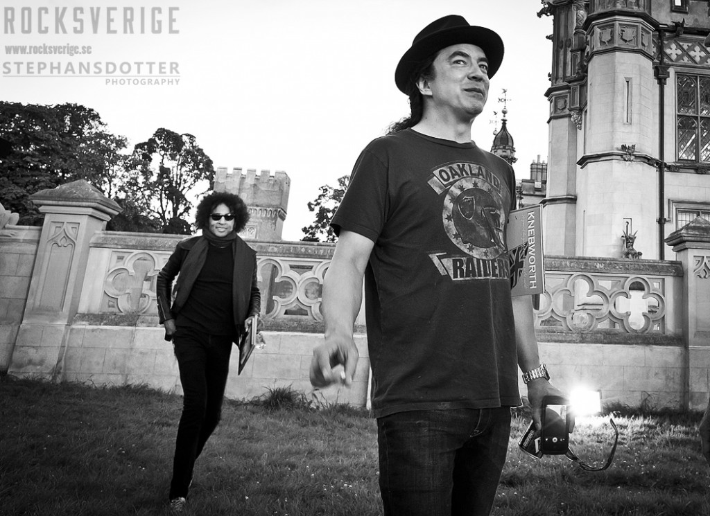 Mike Inez & William Duvall backstage at Sonisphere