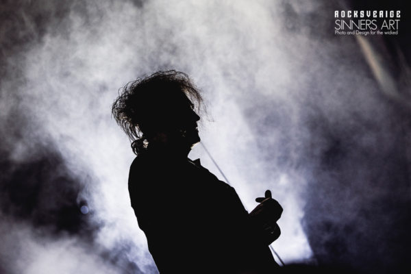 TheCure11_161009w